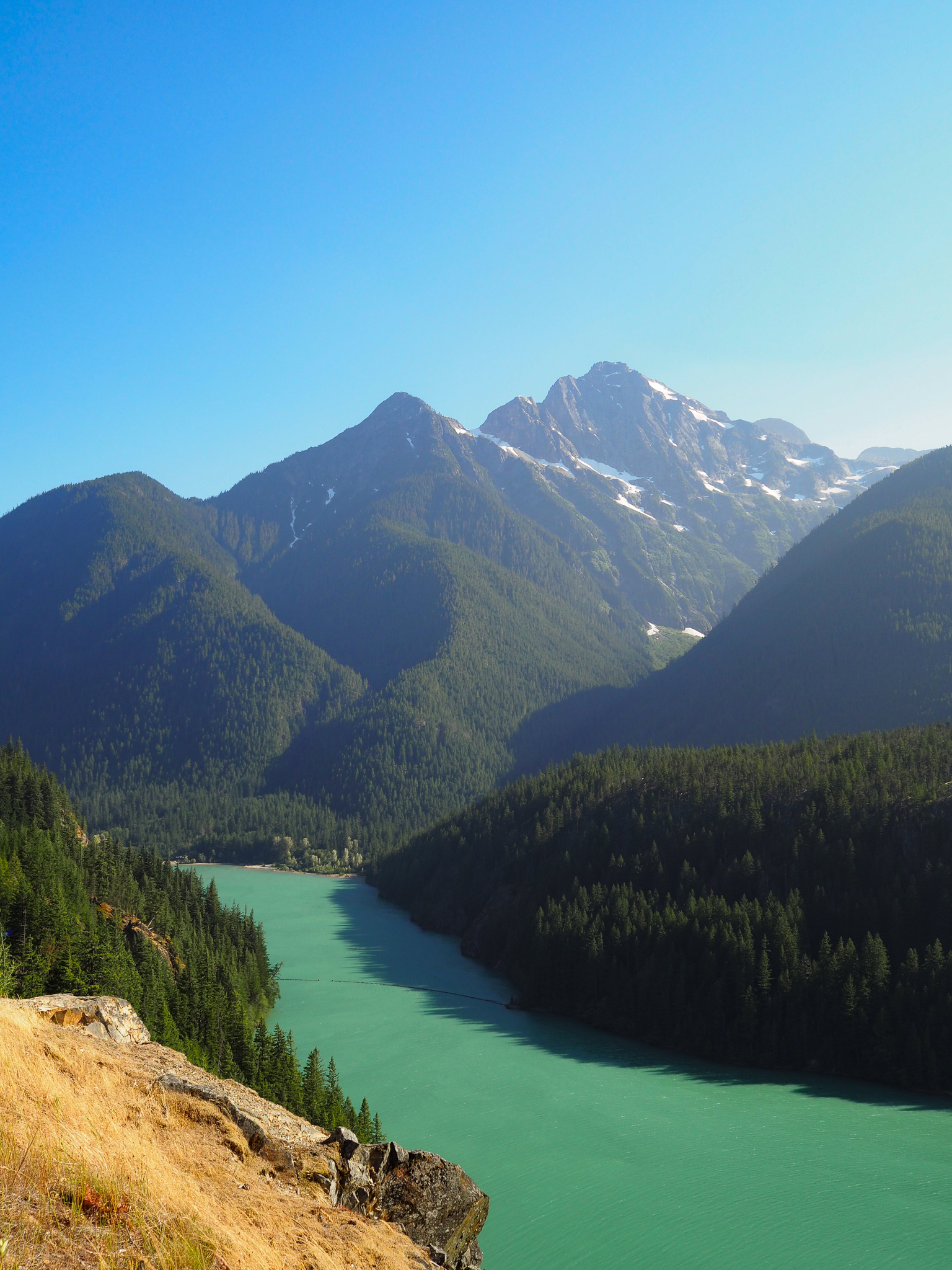 North Cascades National Park is in northern Washington State. A perfect day trip from Seattle, WA. This guide will detail the three major lakes in the national park! Featured: Diablo Lake